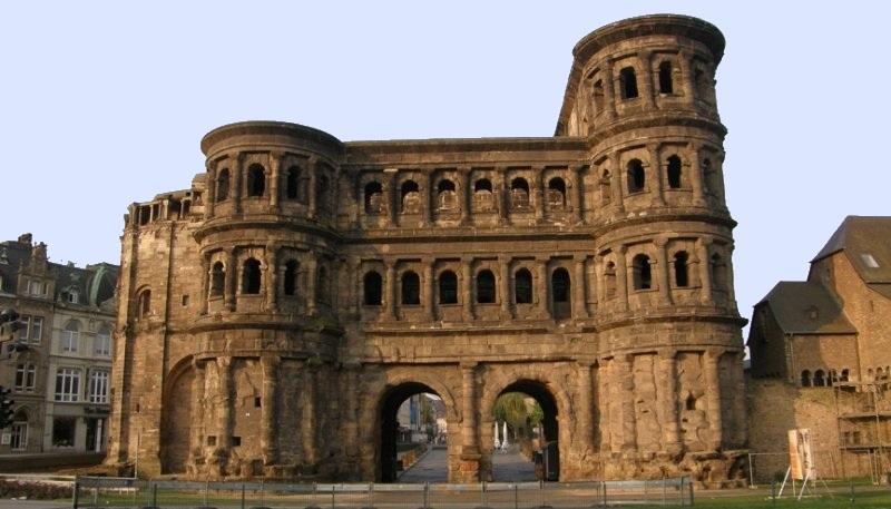 Porta-Nigra_2.jpg